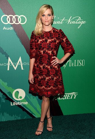 reese witherspoon red black shoes
