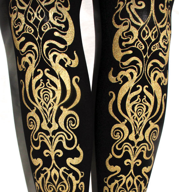 Art Nouveau imprimé collants grande L or sur modèle par TejaJamilla