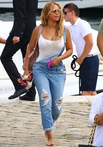 beyonce ripped denim overalls bag t-shirt sunglasses shoes