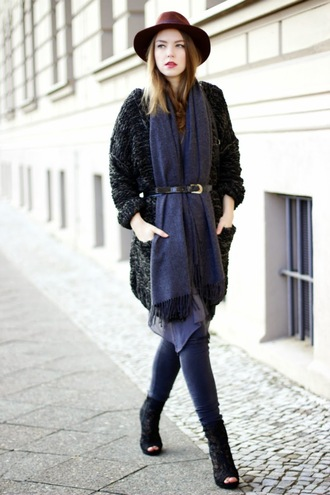 gold schnee blogger scarf hat belt peep toe boots skinny pants knitted cardigan charcoal winter outfits