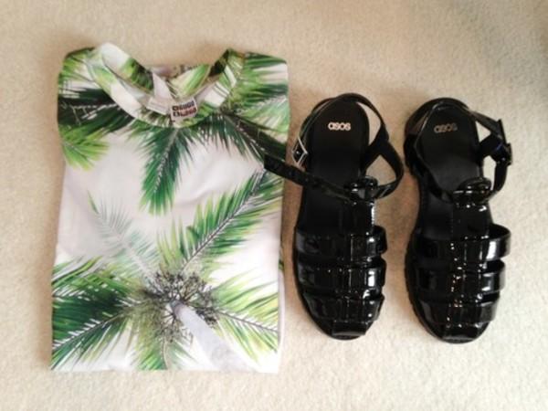shirt tropical fashion cute shoes t-shirt palm tree white t-shirt palm tree print leaves clothes top palm tree print jellies jellies black beach shoes green sandals crewneck palm tree print plants