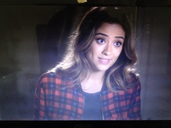 emily fields jacket cardigan pretty little liars