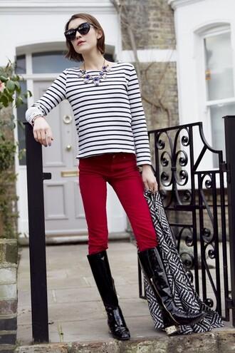 la petite anglaise blogger sunglasses red pants necklace