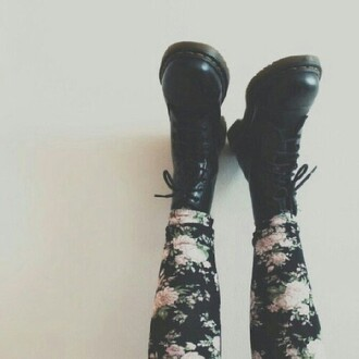 black boots grunge drmartens