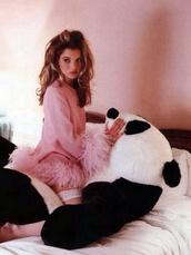 dress,kate moss,fluffy,fringes,sweater,warm,pink dress,feather dress,long sleeve dress,top,pink,pink top,kate moss pink,panda,pink fuzzy sweater,pink furry sweater,comfy,kate moss top
