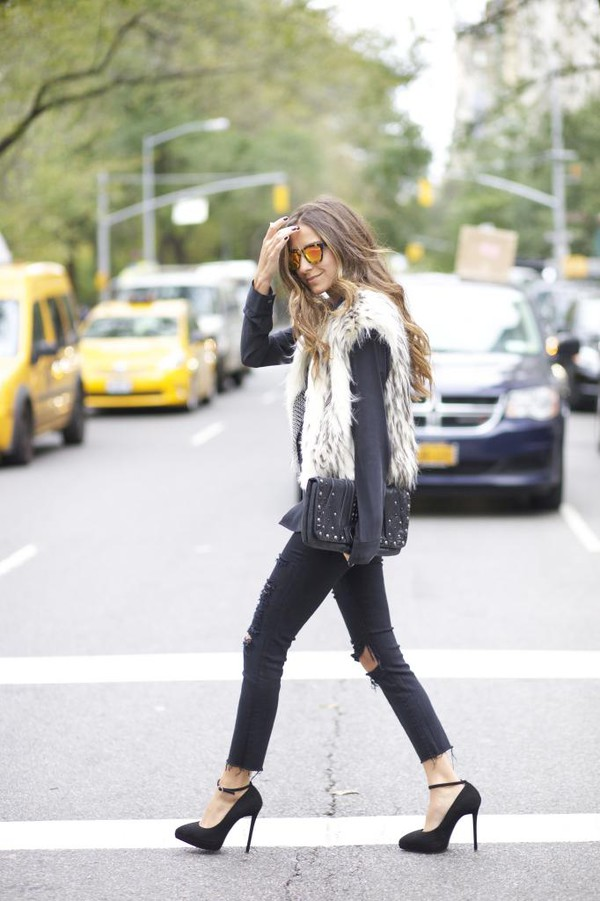 something navy blogger jeans top jacket bag sunglasses faux fur ripped jeans stilettos white fur vest
