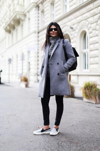 fashion landscape blogger sweater jewels coat jeans sunglasses