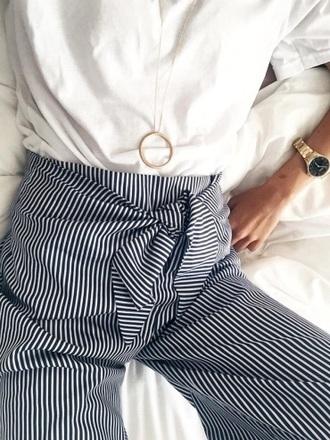 pants fashion vibe fashion chic blue white top white t-shirt striped pants
