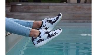 shoes nike nike roshe run palm tree print