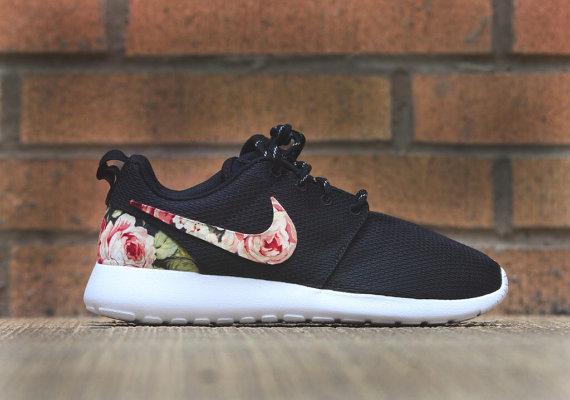415f2a4a8f50 Floral Nike Roshe Run Custom Black White Roses