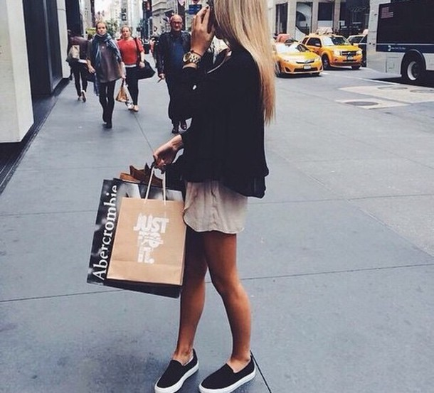 Nacional Juntar Educación  blouse, shoes, black shoes, sneakers, slip on shoes, blondie, nike,  abercrombie & fitch - Wheretoget