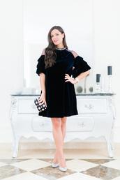 crimenes de la moda,blogger,dress,bag,shoes,velvet dress,cocktail dress,clutch,pumps