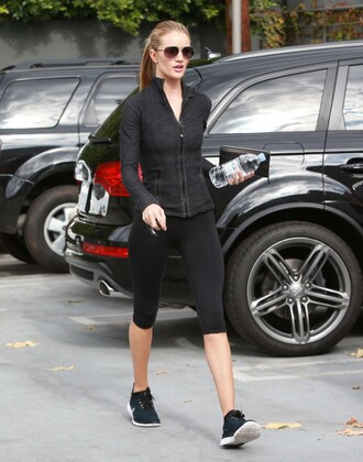 sunglasses leggings sweatshirt sportswear rosie huntington-whiteley