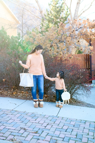 sandy a la mode blogger top jeans bag shoes leggings mother and child louis vuitton bag winter boots winter outfits