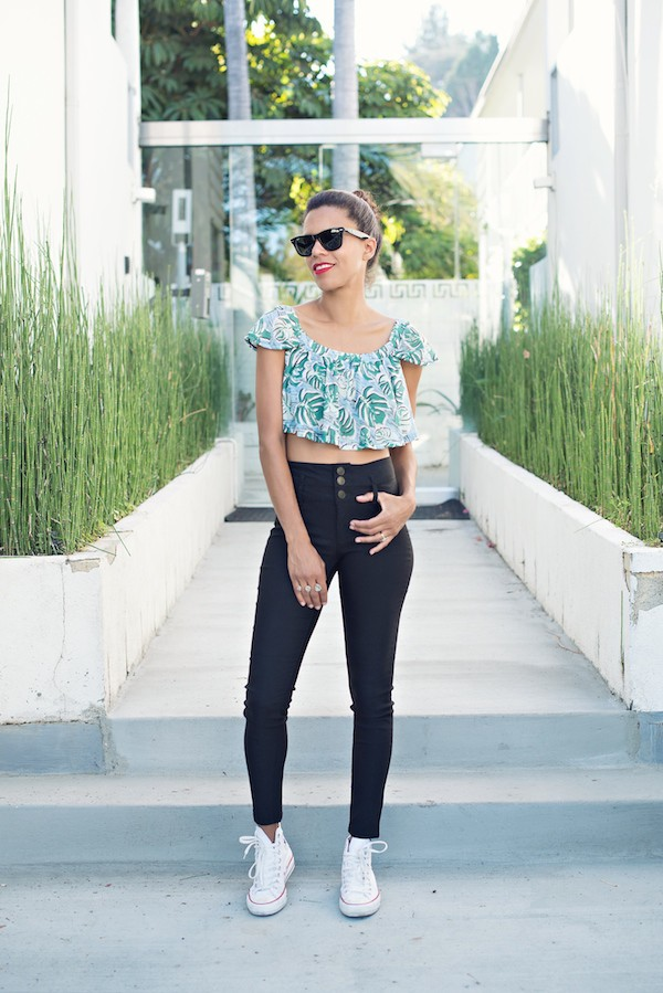 style me grasie blogger top jeans sunglasses jewels