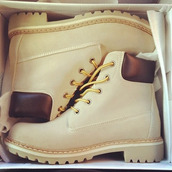 shoes,timberlands,boots,creme boots,winter boots,work boots,light beige,beige shoes,timberland boots shoes,white shoes,combat boots,grunge,country style,boho,girly,tumblr,weheartit,kawaii grunge,creme