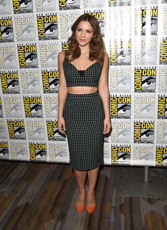 skirt top two-piece pencil skirt midi skirt crop tops katherine mcphee comic con katharine mcphee