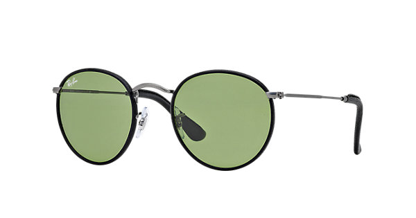 Look who's looking at this new Ray-Ban Round Craft