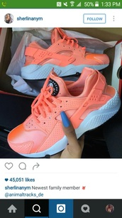 shoes,nike,pink sneakers,huarache,nike sneakers,joggers runners shoes  orange,nike air huaraches,peach,orange,coral dress,coral,kicks,dope runners,coral shoes,trainers,hurraches,nike shoes,nike hurraches,rache,pink