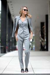 pants,power suit,womens suit,grey pants,office outfits,streetstyle,vest,grey vest,blazer,grey blazer,mules,black mules,spring outfits,sunglasses,cat eye,matching set