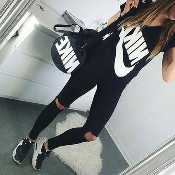 shirt pants black bag nike white black and white jeans gym bag