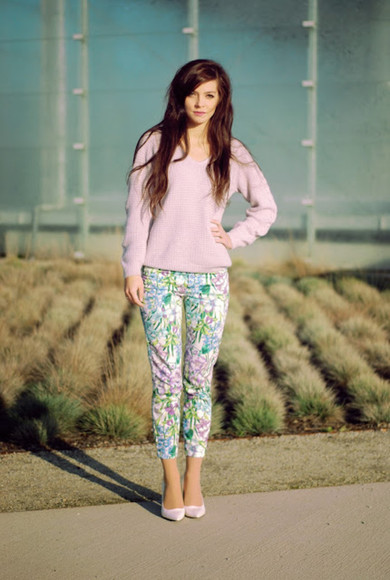 printed pants pants blogger i am sony sweater pink tropical