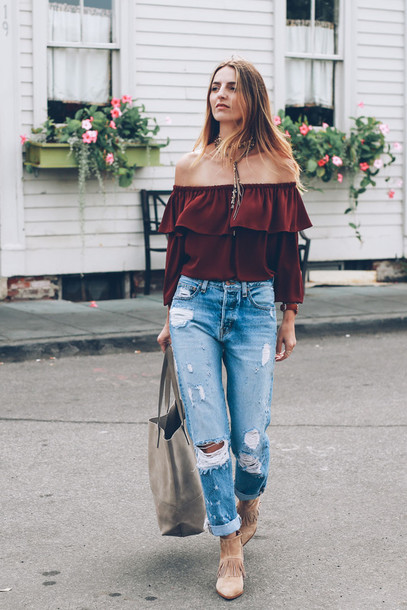 prosecco and plaid blogger top jeans shoes bag jewels make-up