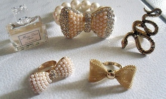 jewels ring bows