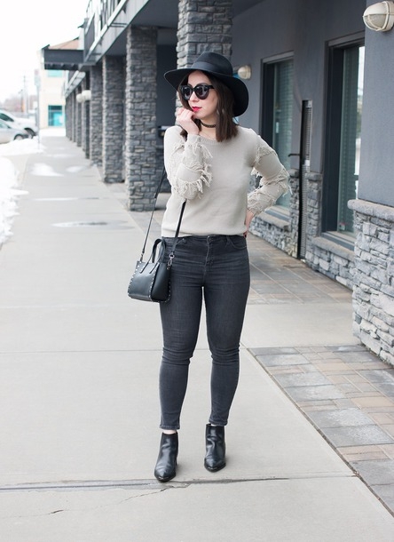adventures in fashion blogger sweater jeans hat shoes sunglasses bag jewels grey sweater grey jeans skinny jeans ankle boots felt hat spring outfits