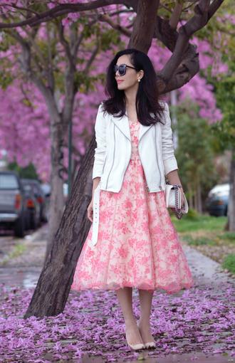 hallie daily blogger white jacket pink dress midi dress floral dress