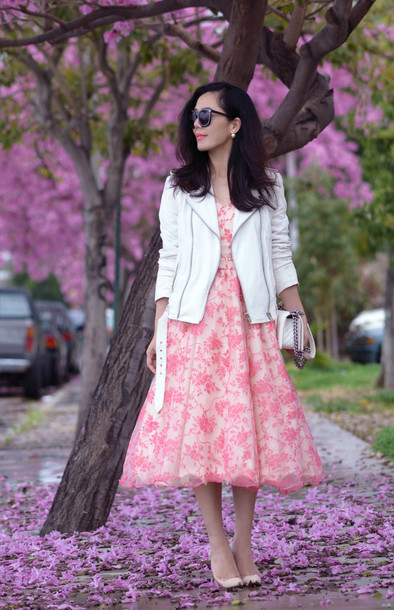 hallie daily blogger white jacket pink dress midi dress floral dress dress jacket bag shoes sunglasses jewels