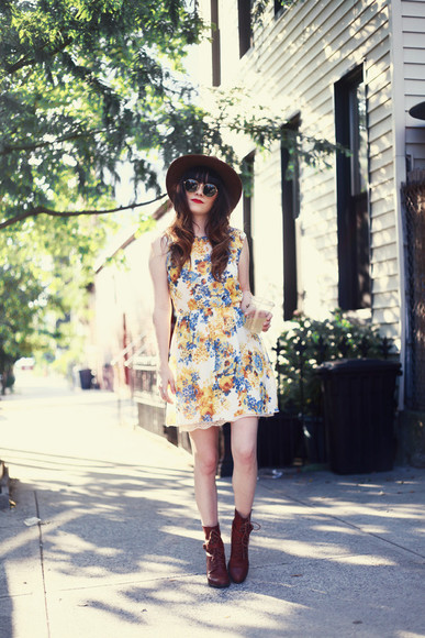 jag lever dress shoes hat sunglasses floral dress floral boho