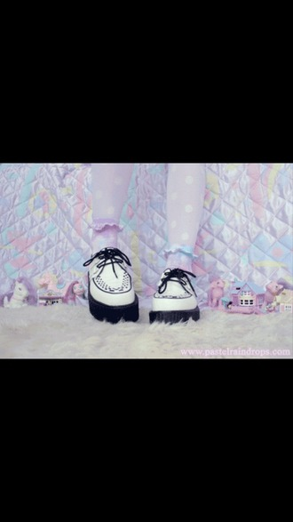 shoes pastel goth white black creepers boots lovely pretty