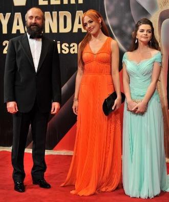 dress long dress orange dress celebrity orange meryem uzerli celebrity style actress