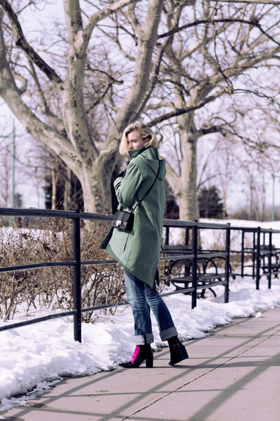 zanita blogger coat green coat mini bag dress shoes bag