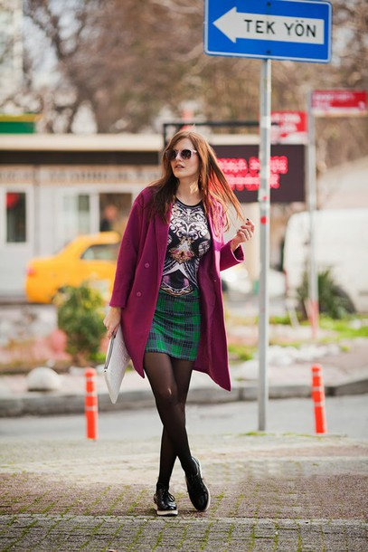 the bow-tie blogger plaid skirt print bag sunglasses