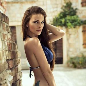 hotgirl-bikini