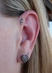 jewels,forward helix,helix piercing,earrings,triple gem,gem,anatometal,pinterest,jewelry,triple,heart,diamonds