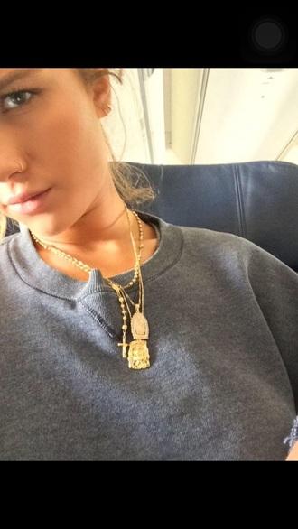 niykee heaton grey sweater chain