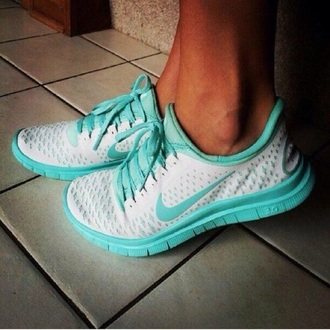 shoes teal white nike free run
