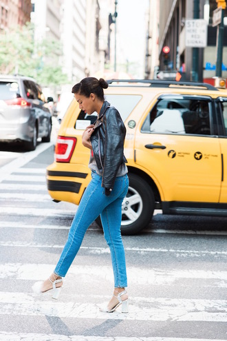 style me grasie blogger shoes leather jacket skinny jeans grey top graphic tee thick heel white heels silver