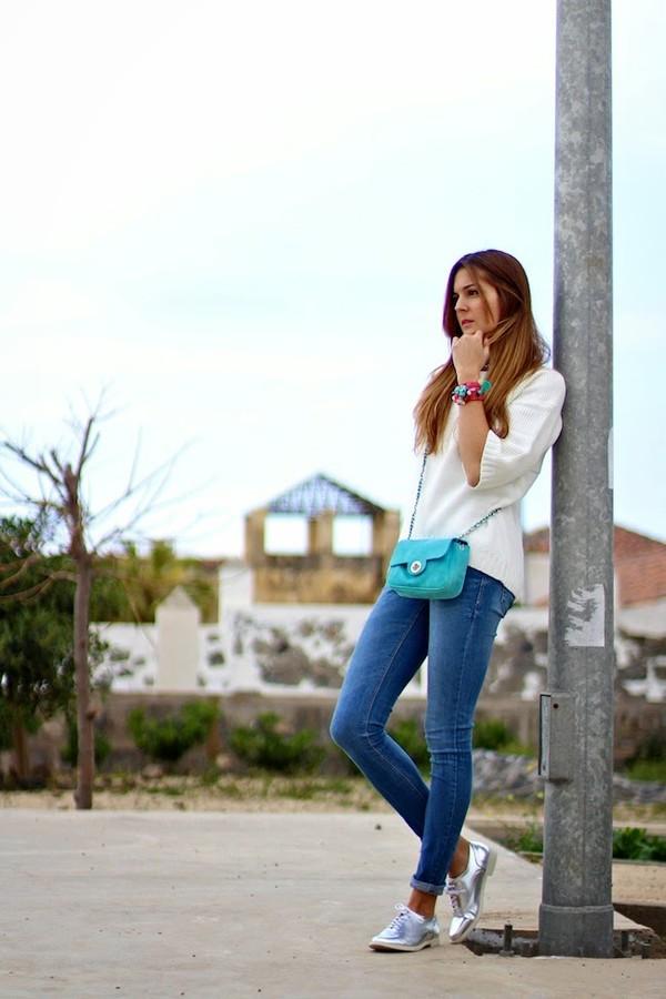 marilyn's closet blog shirt jewels bag shoes jeans