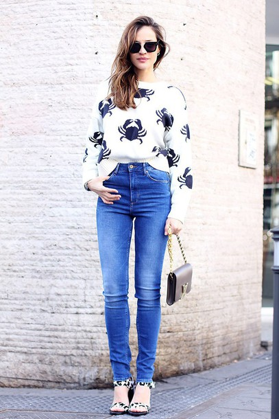 lady addict blogger crab knitted sweater high waisted jeans jeans sweater shoes bag sunglasses sea creatures spring outfits