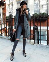 coat,faux fur coat,jeans,grey jeans,skinny jeans,ripped jeans,boots,ankle boots,handbag,black t-shirt,fisherman cap