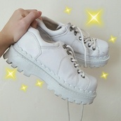 shoes,platform shoes,platform sneakers,white sneakers,soda,soda brand,90s style