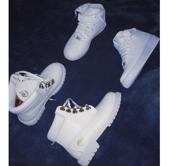 shoes whitetimberlands timberlands boots white shoes timberland nike air force 1 high top timberland boots shoes timerlands matching couples nike air timberlands white nike white timberlands nike air force 1