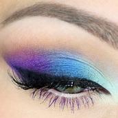 make-up,ombré makeup,blue,purple,white eyeshadow,winged eyeliner
