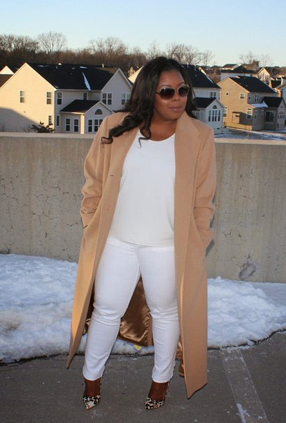 naja diamond blogger camel coat white jeans white curvy