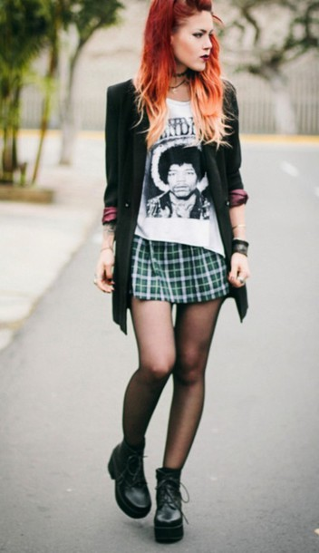 shoes skirt green plaid skirt t-shirt top black and white outfit clothes
