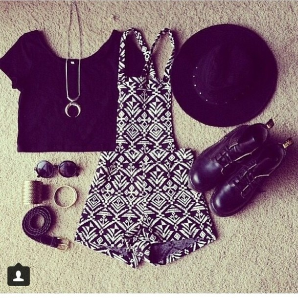 shorts jumpsuit tribal pattern combat boots black black t-shirt jewelry vintage sexy crop tops black crop top jewels shoes hat shirt pants romper t-shirt black fashion look blouse